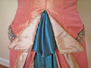 Bodice Tail